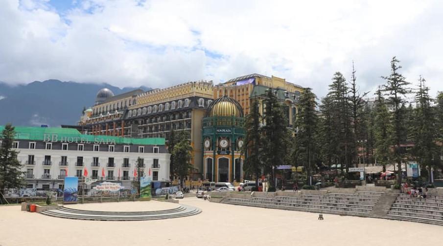 Sun plaza tempat naik trem ke sunworld