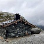 Shelter puncak kedua Kjerag