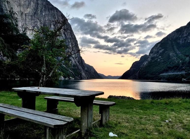 Sunset di Lysebotn